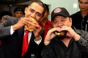 "President ""Barrack Obama"" Takes First Bite at Smashies Burger Launches In Setapak"