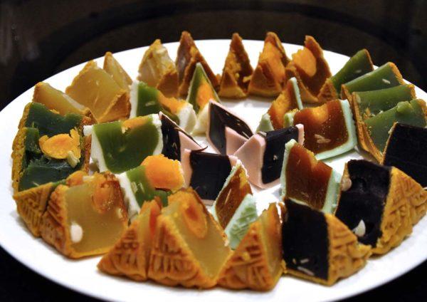 "Mid-Autumn ""Yue Ping"" @ The Emperor, Dorsett Grand Subang"