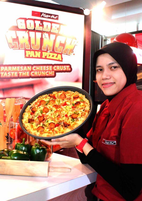 Pizza Hut's Golden Crunch Pan Pizza