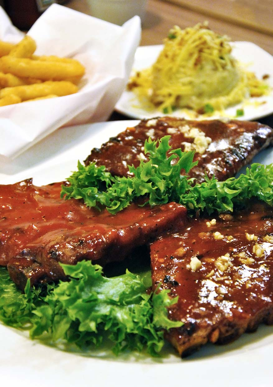 Special Mother's Day Treat Without Breaking The Bank @ Chicago Rib House