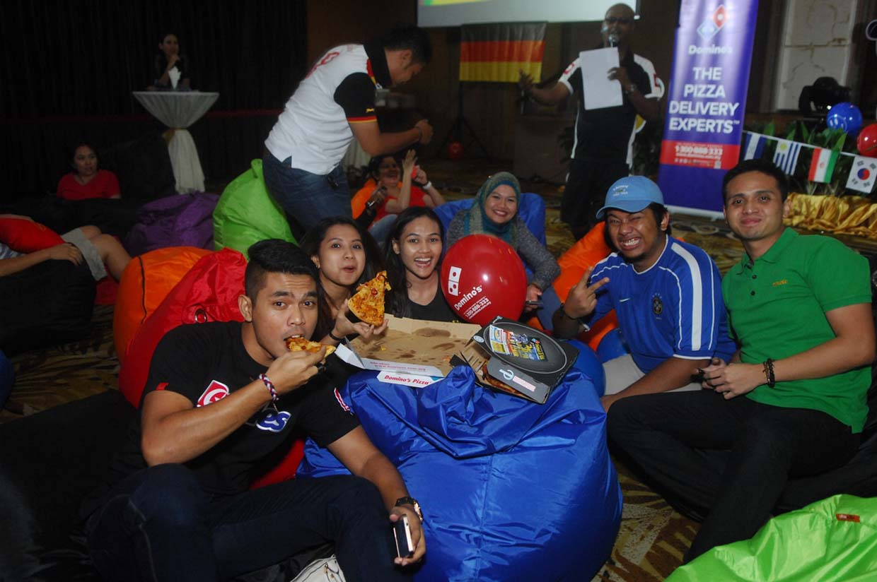 A Grand Finale at Domino's Football Viewing Party!