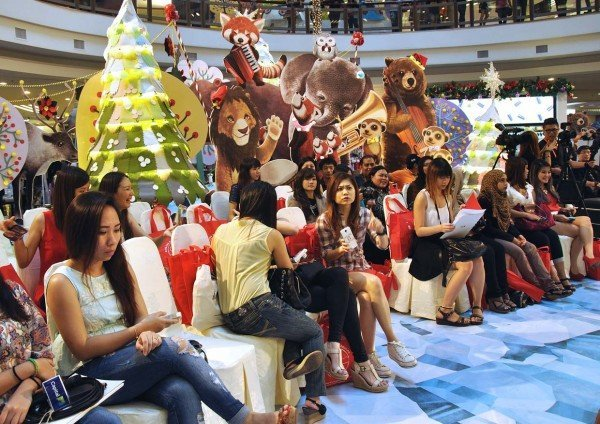 1 utama shopping centre rustic woodland christmas 2014