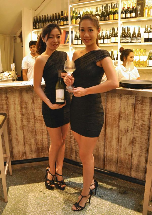 cloudy bay 30th anniversary 2015 vintage by ian morden southern rock seafood bangsar