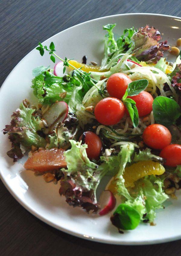 flight club international healthy cuisine kl international airport klia papaya salad