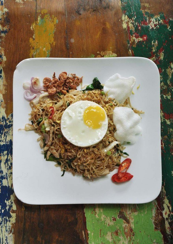 naughty nuri desa sri hartamas asian cuisine indonesian style mee goreng