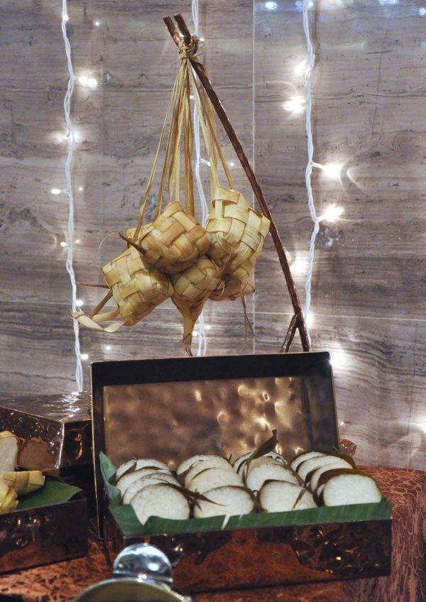 festive banquet dinner ramadan 2016 the majestic hotel kuala lumpur ketupat lemang