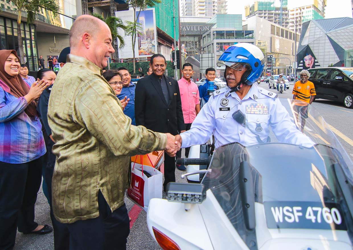 Grand Millennium Kuala Lumpur Shares The Festive Joy With City Traffic Officers