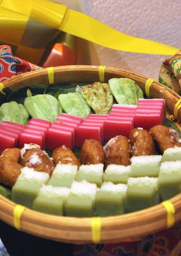 ramadan 2016 temptations restaurant renaissance kuala lumpur hotel kuih muih