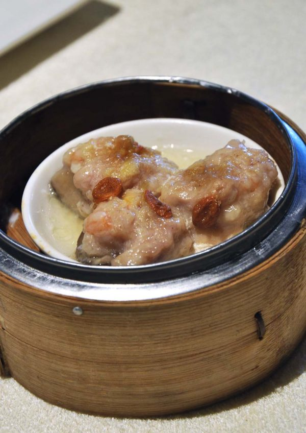 yuk sou hin weil hotel ipoh all-you-can-eat dim sum stuffed mushroom with minced chicken