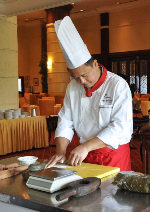 mid autumn festival summer palace putrajaya marriott hotel chef chan wooi leong