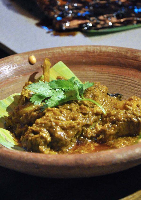naughty nuri's life centre kuala lumpur snout to tail brunch buffet roast pork rendang