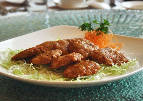 thai-licious zuan yuan chinese restaurant bandar utama chicken cake