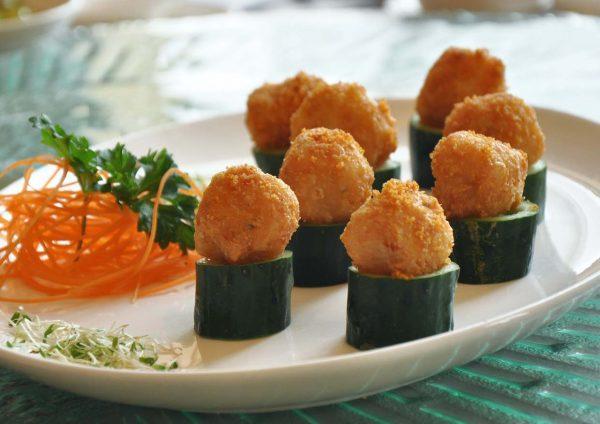 thai-licious zuan yuan chinese restaurant bandar utama prawn ball