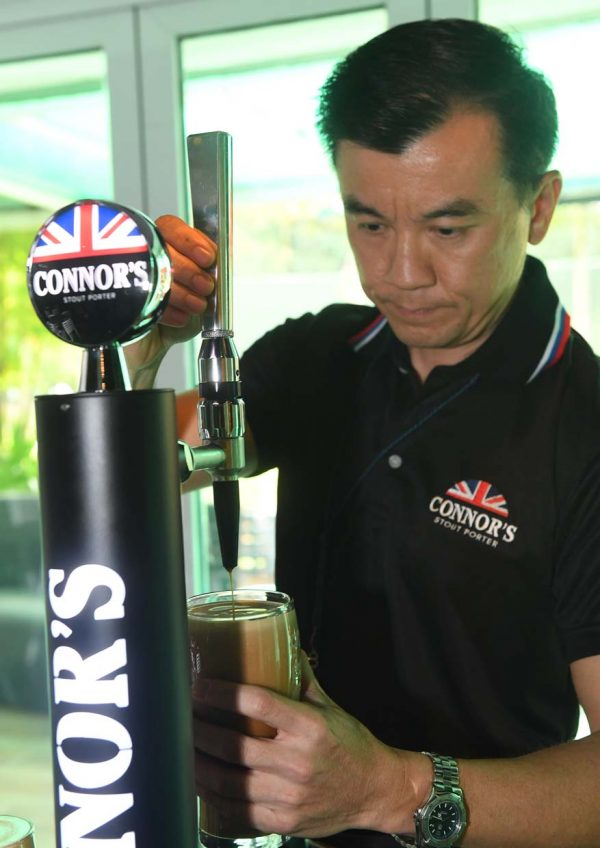 connor's stout porter brewery visit alvin yap draught beer services manager carlsberg malaysia