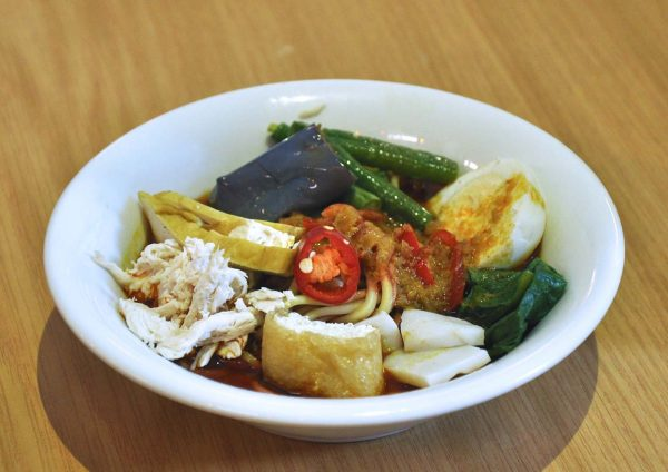 malaysian hawker village and merdeka gallery summer palace putrajaya marriott curry laksa