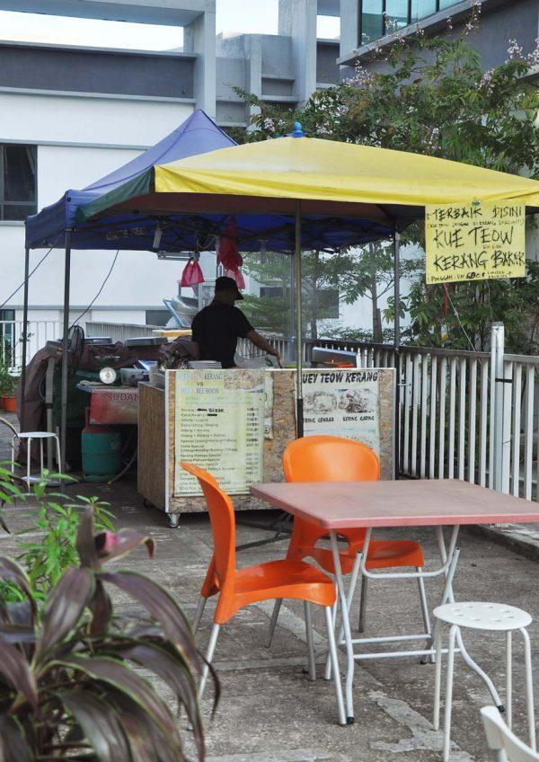 the nai cafe denai alam shah alam udang galah cooking station