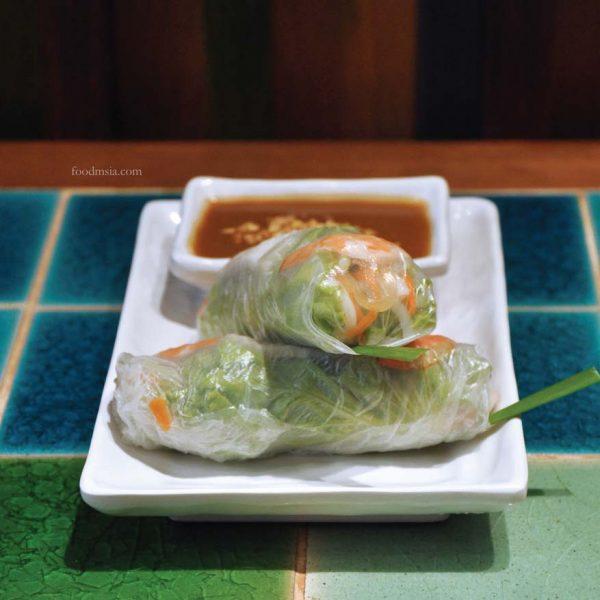 pho street vietnamese food paradigm mall petaling jaya fresh summer rolls