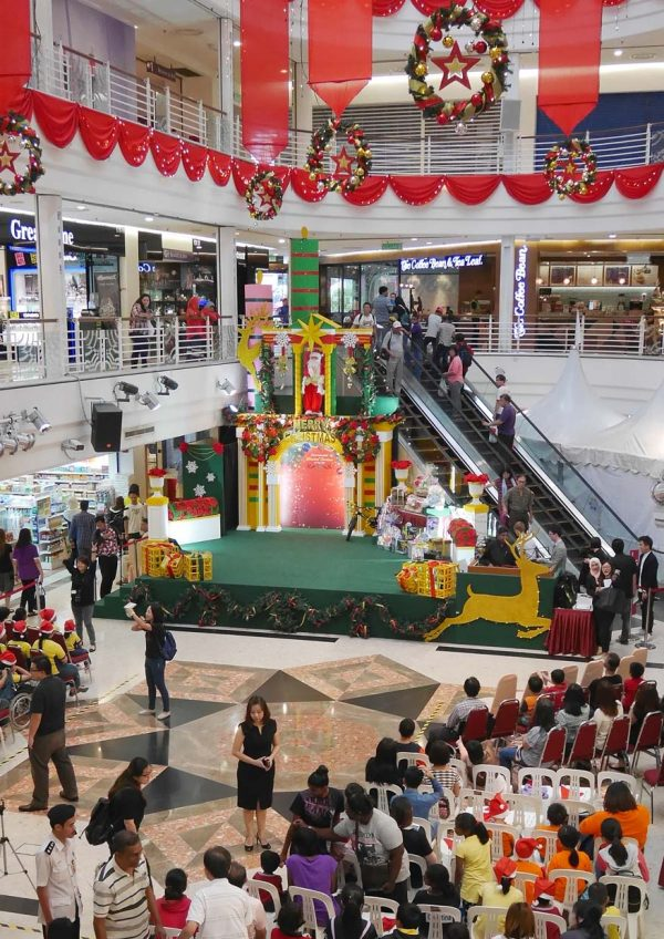 toy bank a gift of love 2016 cheras leisuremall concourse
