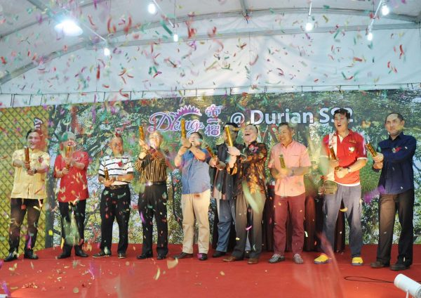 dking cny durian goodies hamper launch