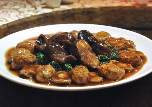 ti chen saujana hotels and resorts chinese new year mushroom