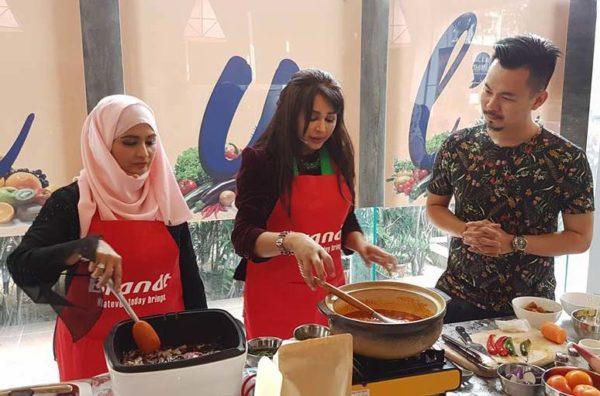 chef siti mastura baking instructor monspacemall cooking