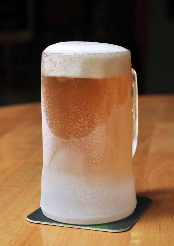 freond tavern setiawalk puchong valentines day frosty beer