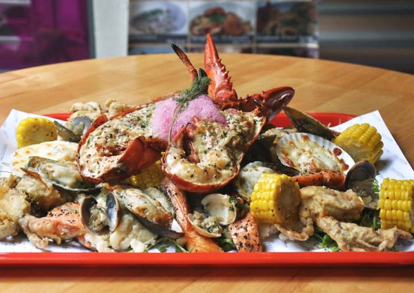 freond tavern setiawalk puchong valentines day lover seafood factory