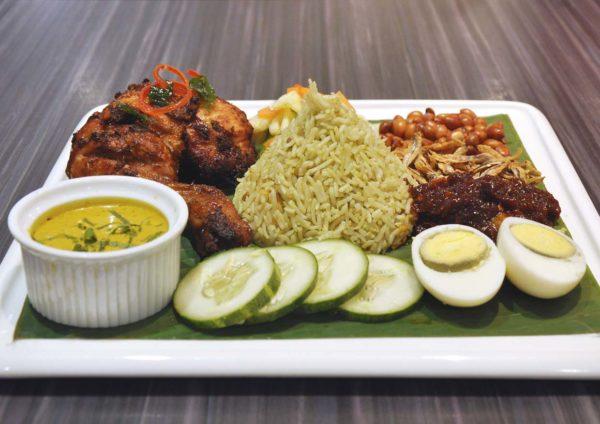sepiring restaurant malaysian cuisine mid valley kuala lumpur nasi pandan ayam berempah