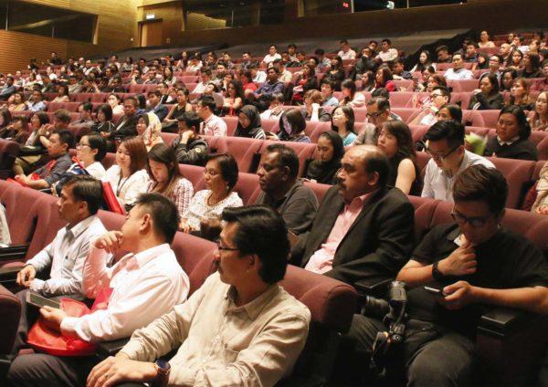 homedec kuala lumpur convention centre salebration crowd