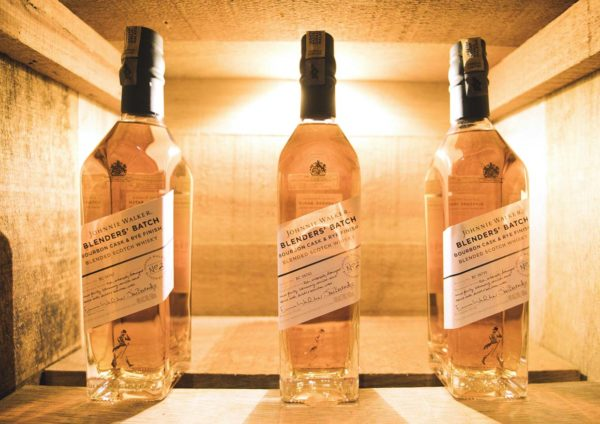 johnnie walker blenders batch bourbon cask and rye finish scotch whisky bottle