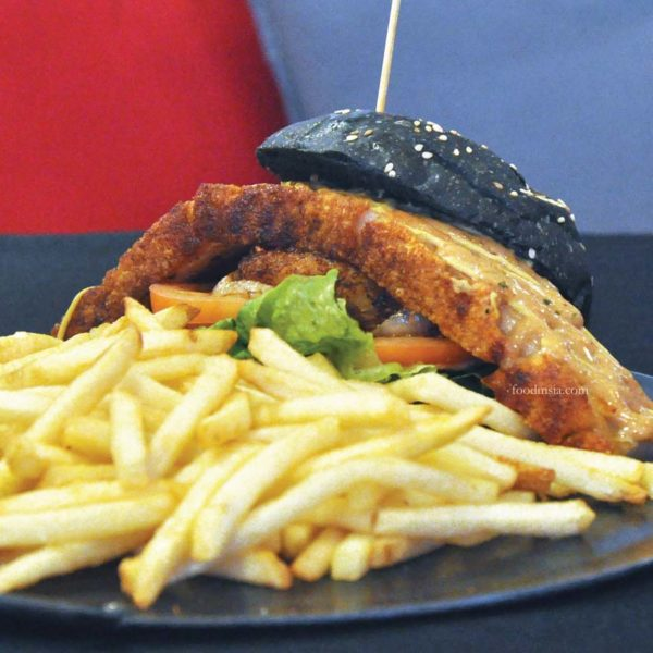 naughty nuri's asian food porky fest roast pork burger