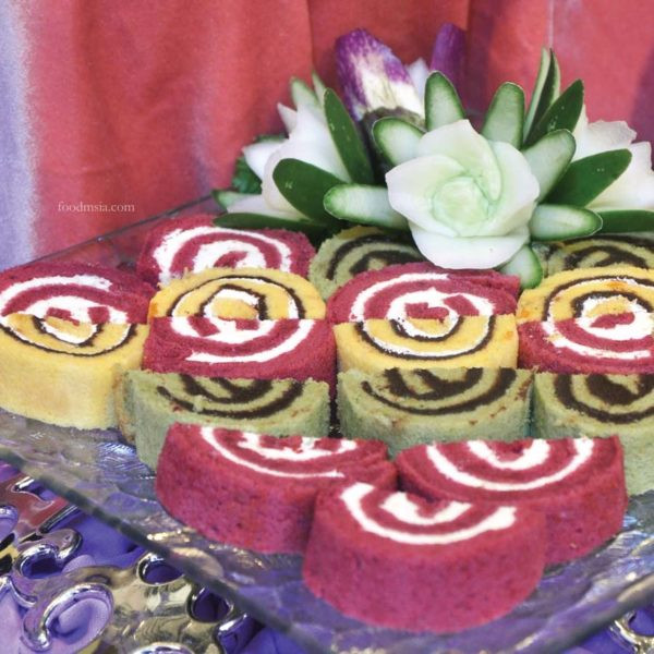 bangi golf resort ramadan buffet swiss rolls