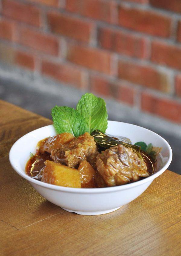 wonton and pho happy garden kuala lumpur hometown curry chicken