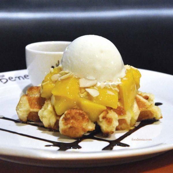 caffe bene mangotella waffle
