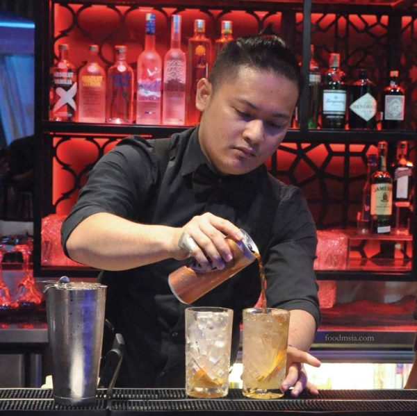 canopy rooftop bar lounge kl entertainer malaysia app mixologist kevin