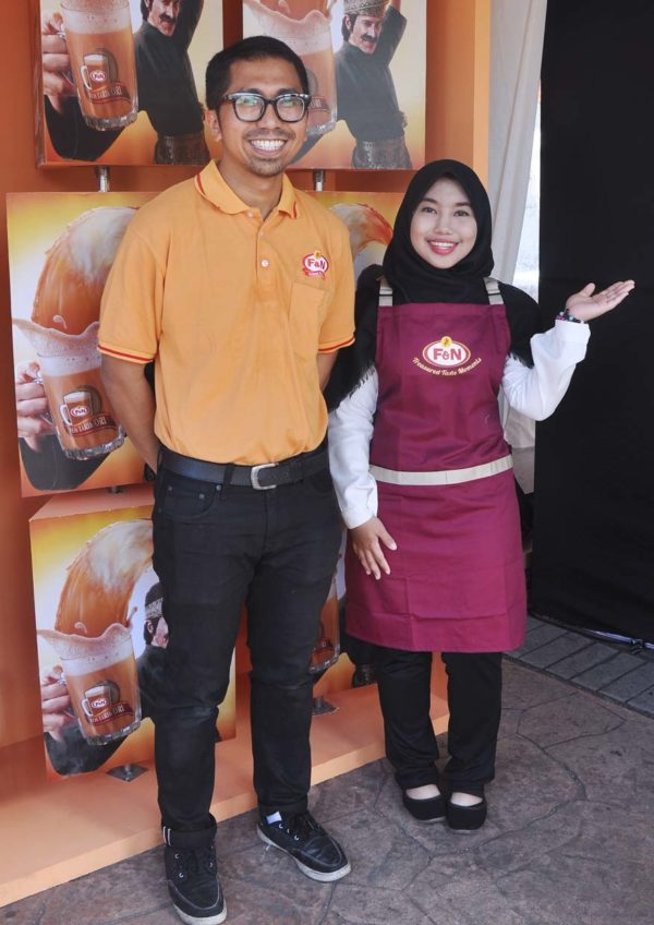 f&n gold standard teh tarik ori game booth
