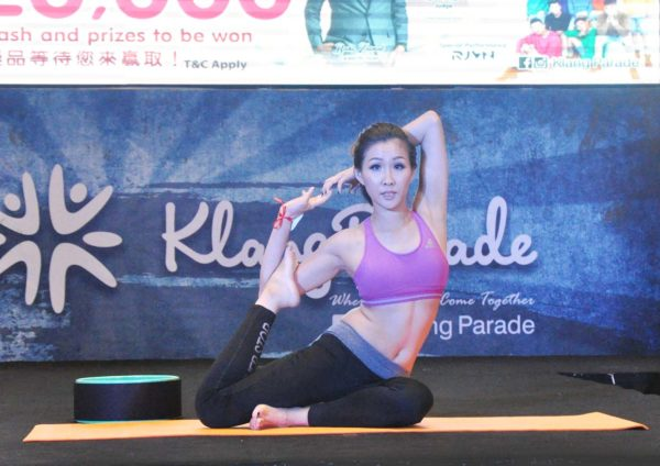 hot mama contest finale klang parade yoga exercise