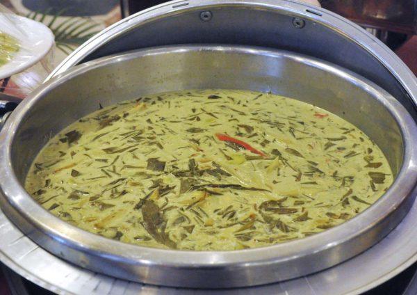 ramadan buffet oceania restaurant summit hotel subang usj masak lemak pucuk