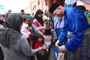 Fonterra Distributes Iftar Packs @ World Milk Day