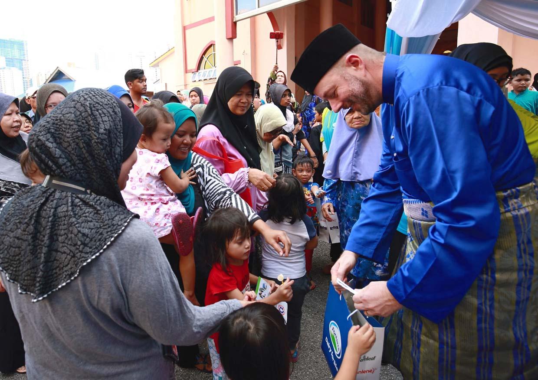 Fonterra Distributes Iftar Packs @ World Milk Day
