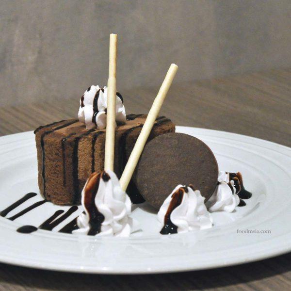 kokoro confe japanese cuisine desa sri hartamas chocolate swiss roll dessert
