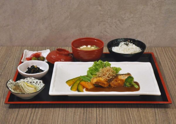 kokoro confe japanese cuisine desa sri hartamas grilled salmon rice set