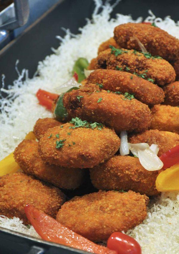 treasures of the sea weekend buffet dinner nook aloft kuala lumpur sentral crab cake