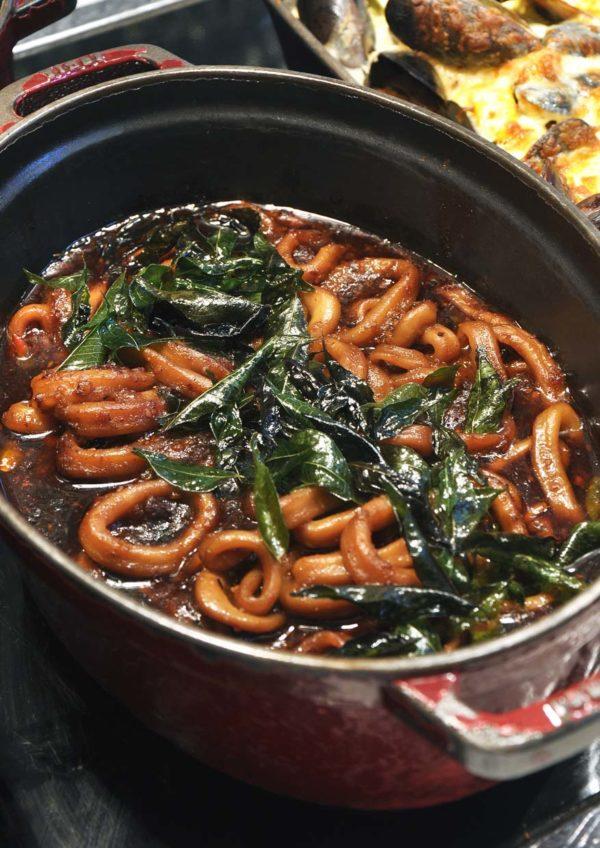 treasures of the sea weekend buffet dinner nook aloft kuala lumpur sentral kam heong squid