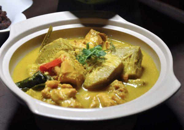 bunga emas fine dining malay restaurant royale chulan kl ayam masak lemak nangka