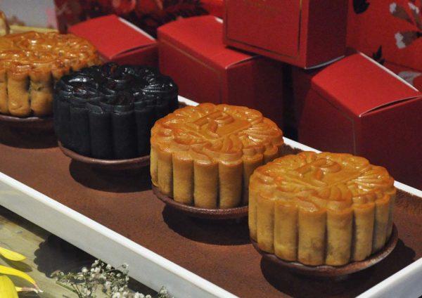mid-autumn festival dynasty restaurant mooncake
