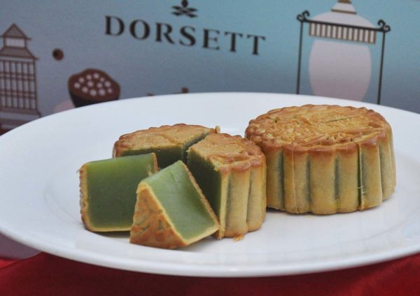 mooncake mid autumn festival dorsett grand subang pure pandan lotus paste