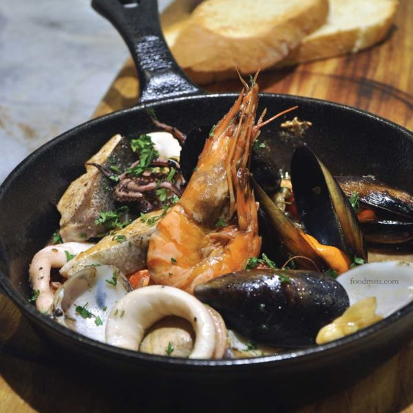 southern rock seafood bangsar entertainer app malaysia mixed seafood
