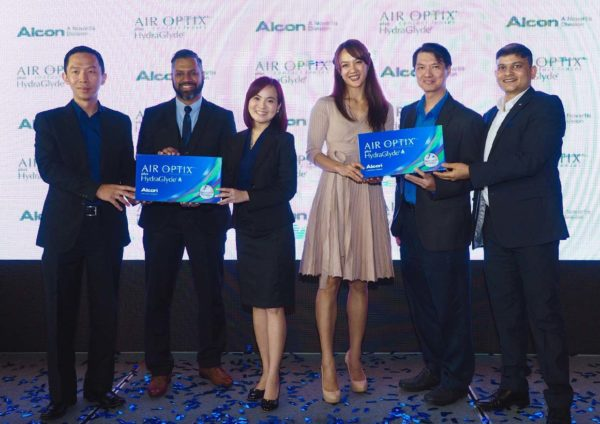 alcon air optix plus hydraglyde contact lenses launching