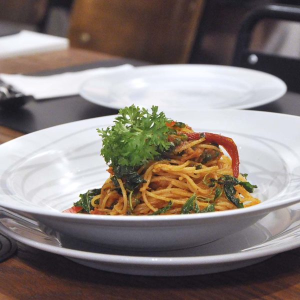 greyhound cafe ansa weekday delight set lunch spaghetti thai anchovy